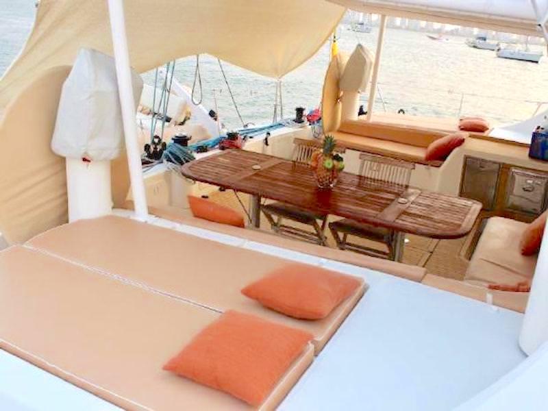 Cockpit Katamaran Mallorca
