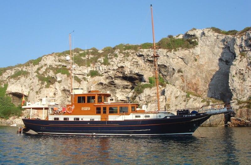 yacht in Puerto Andartx