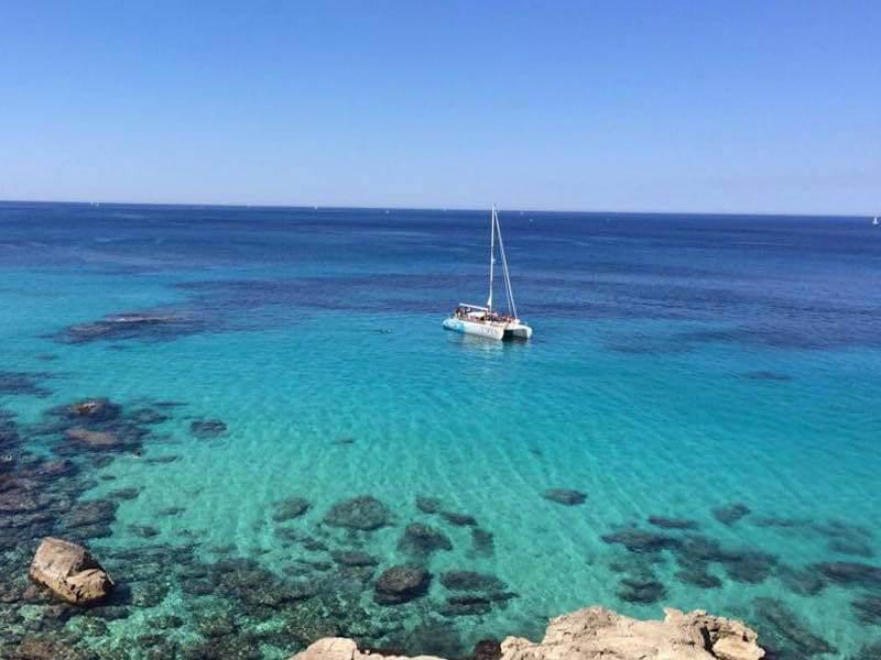 Katamaran vor Anker Mallorca